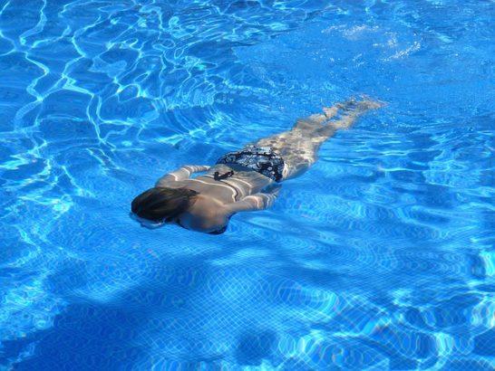 swim-422546_640
